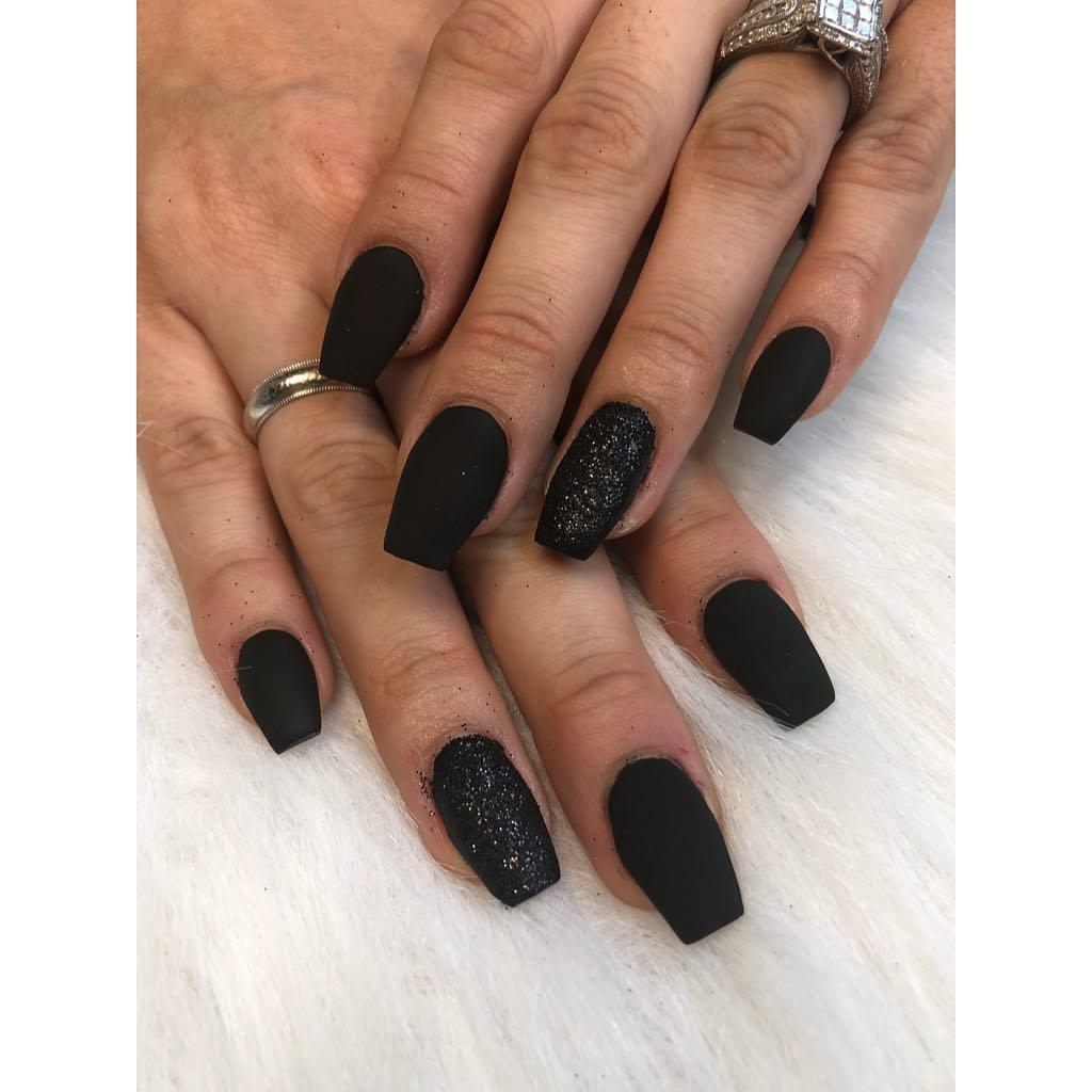 Black coffin nail designs