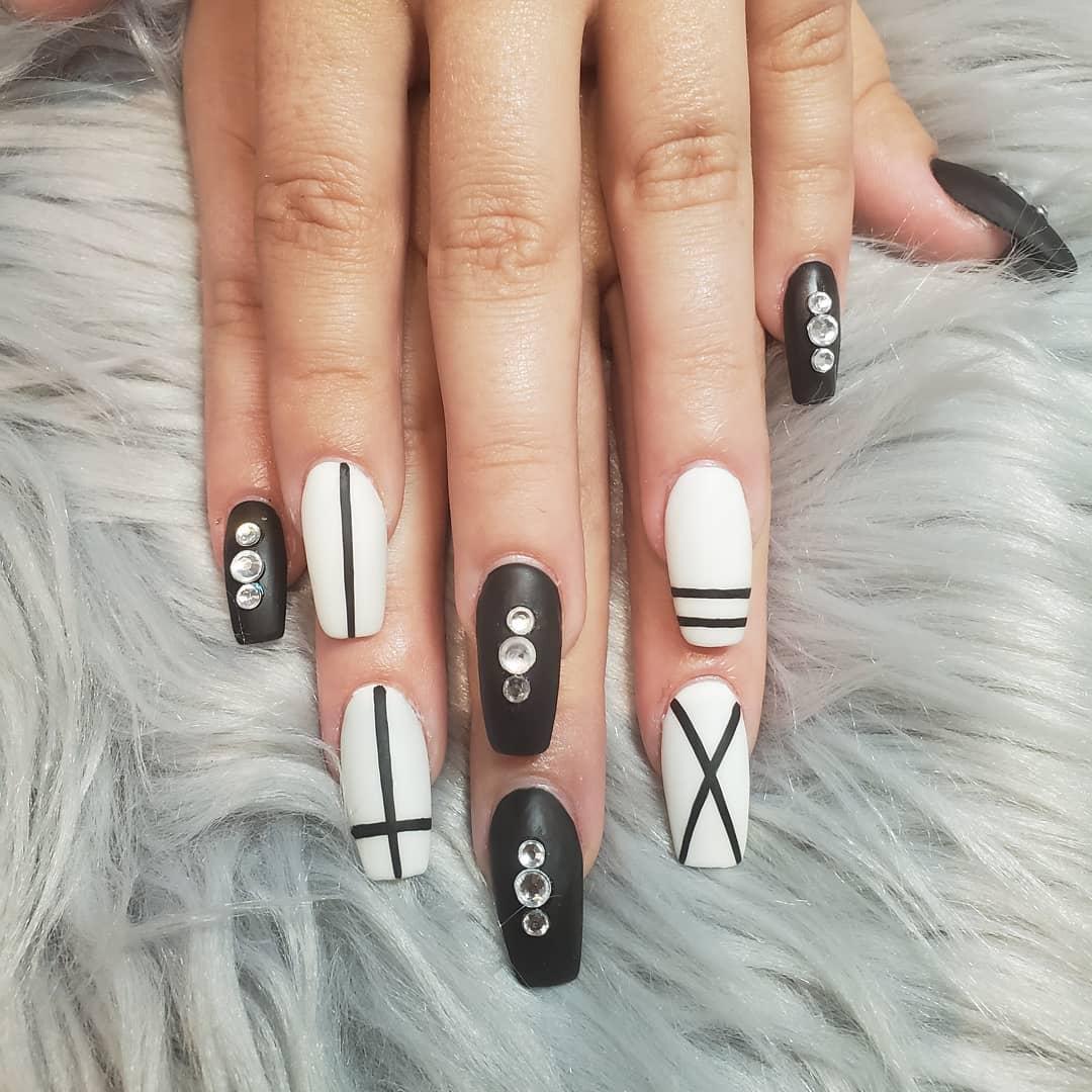Classic Black & White Nail Designs