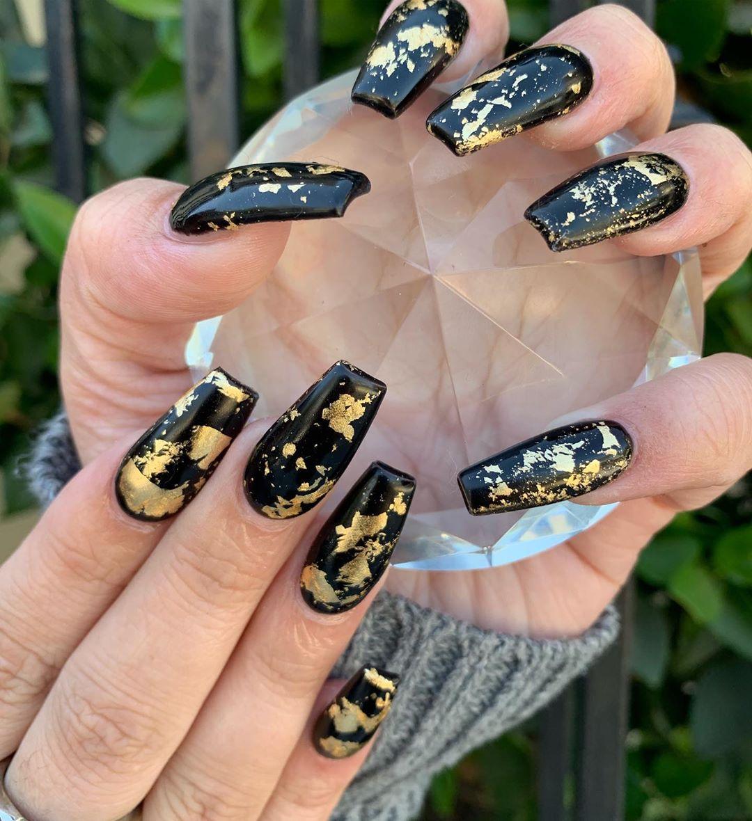 Updated 64 Elegant Gold And Black Nails Nov 2020