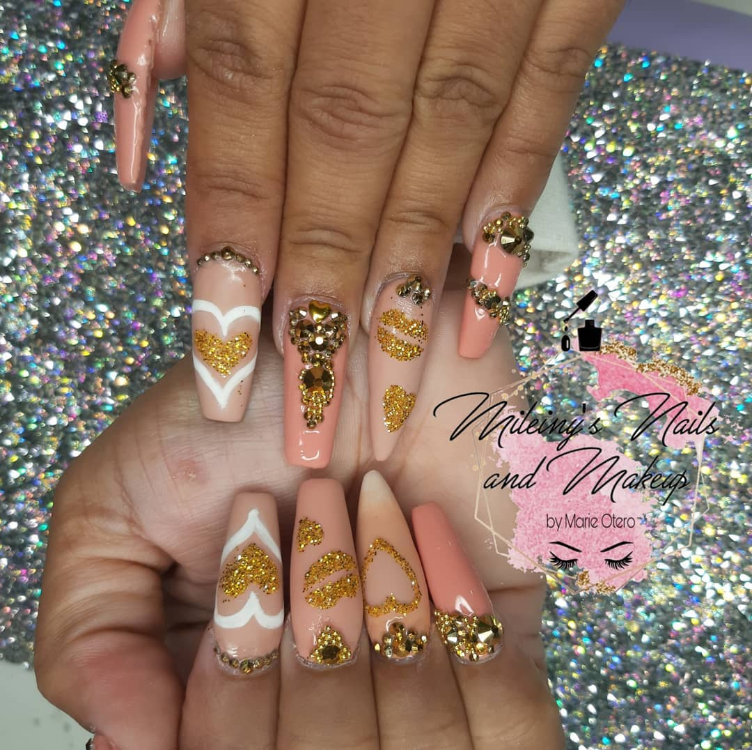 Nails with Diamonds - Best Ideas