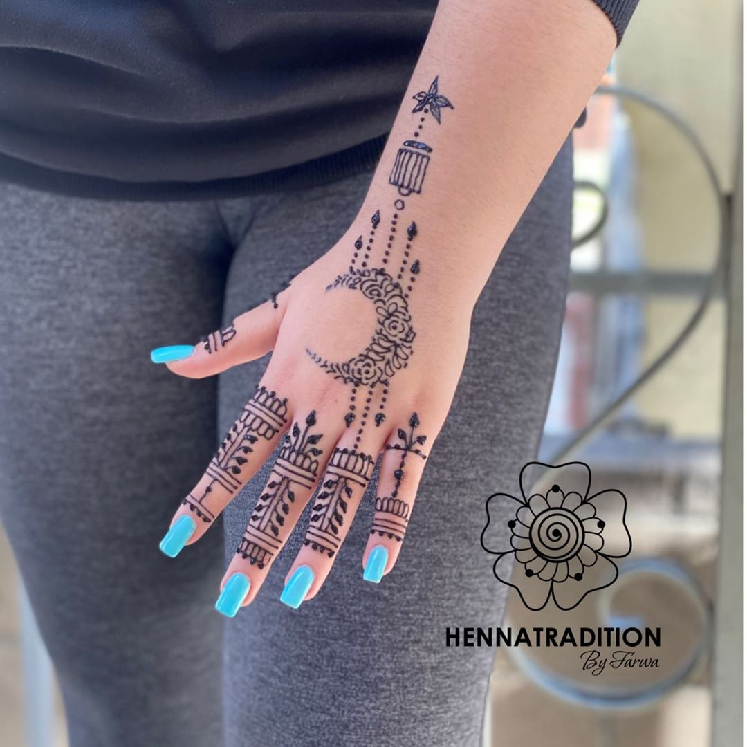 Henna star tattoo