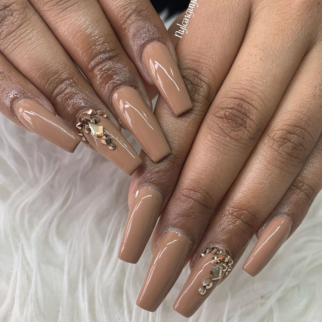 Jewels on coffin nail designs