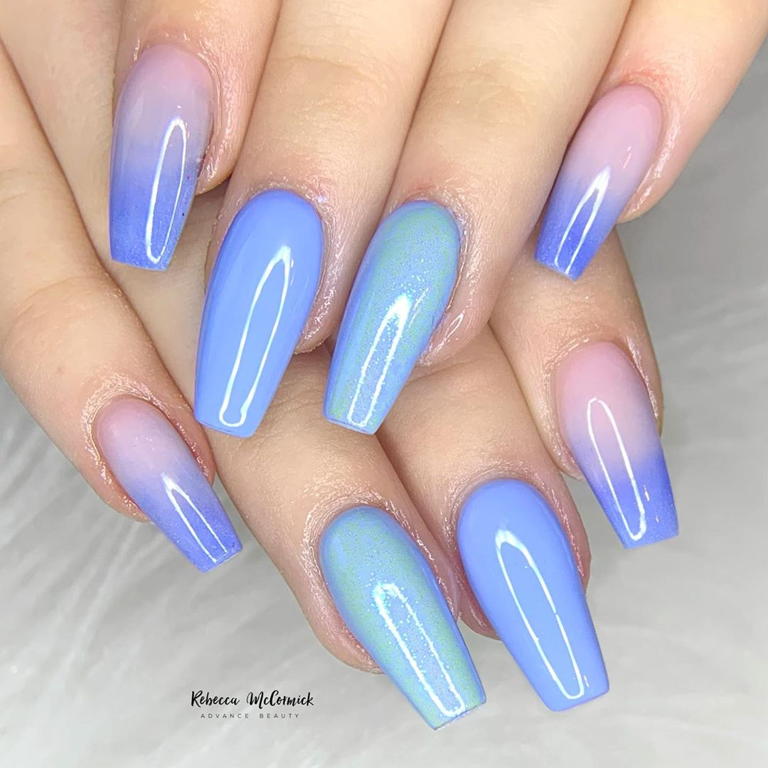 Long pointed coffin Blue Ombre Nails