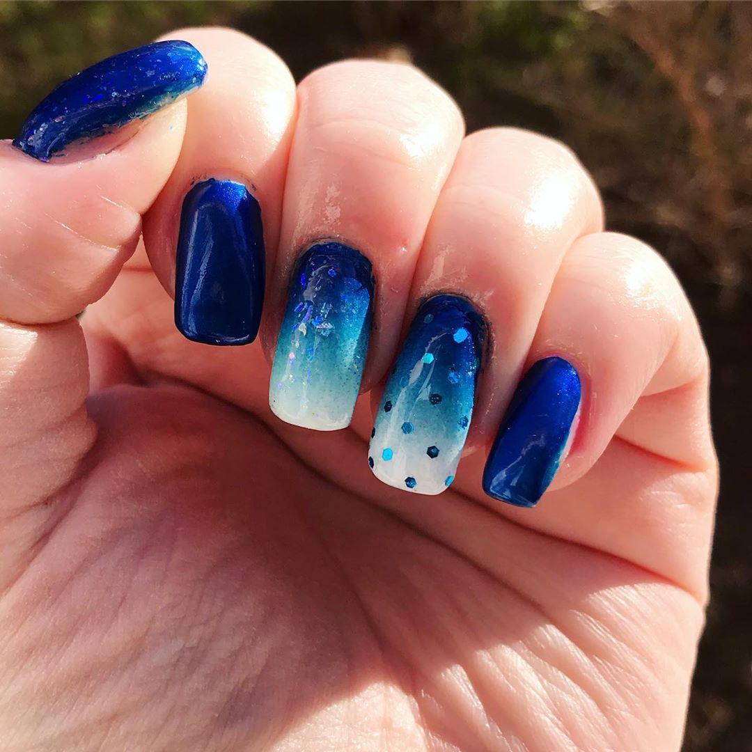 Royal Blue Ombre Nails