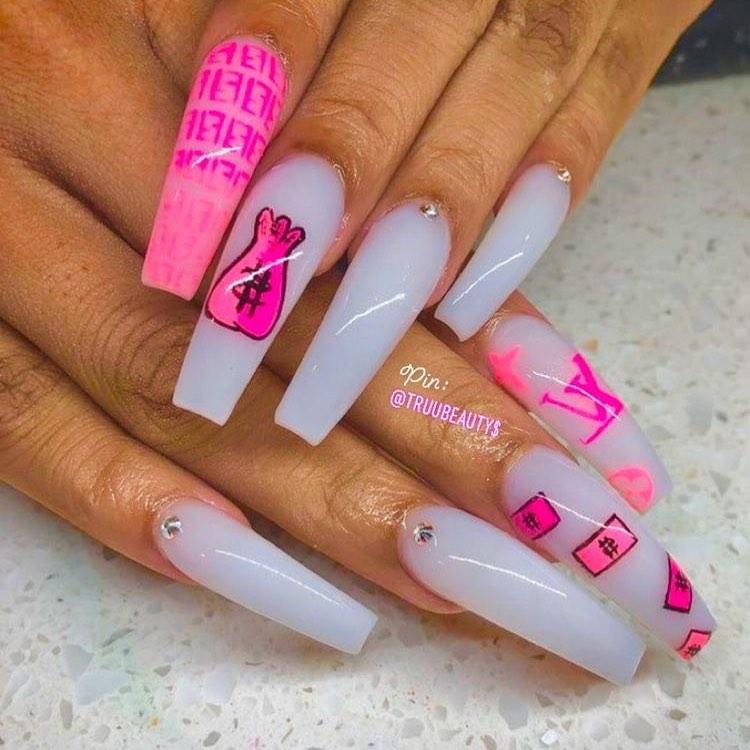 Pop art coffin nail designs