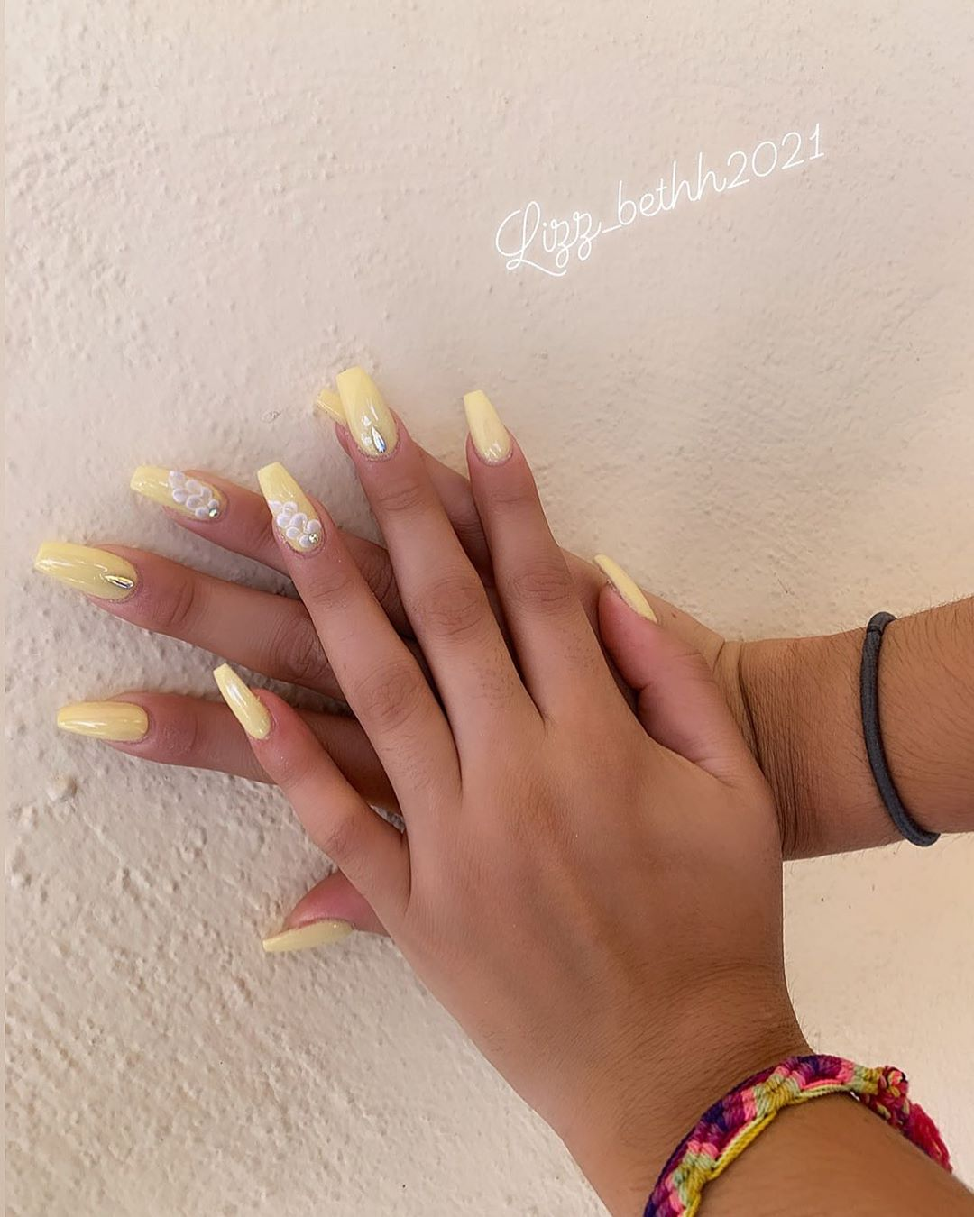 Flower Chain Yellow Acrylic Nails