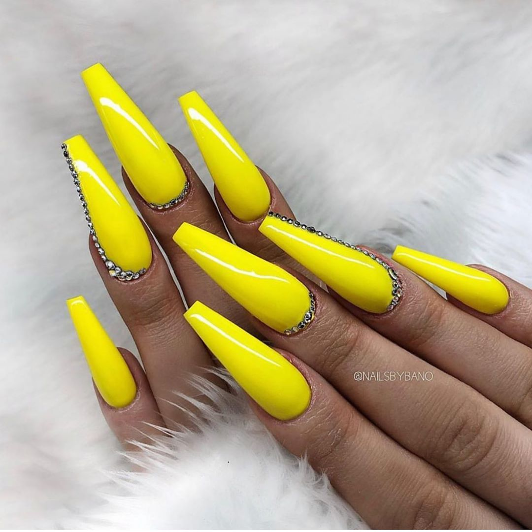 Yellow Acrylic Nails in Coffin shape
