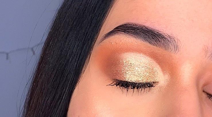 Beautiful image of cut crease eye shadow