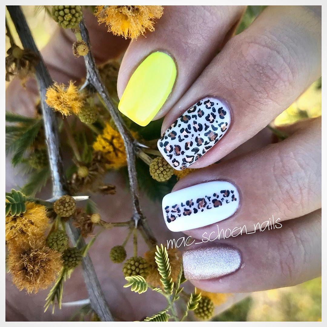 Image of cheetah nails design