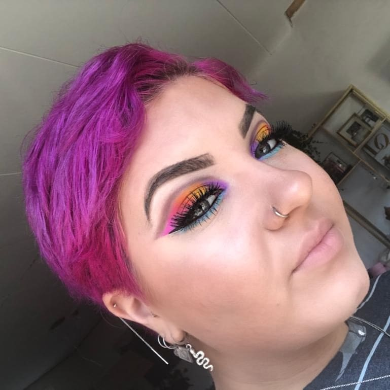 Super colorful winged eyeliner