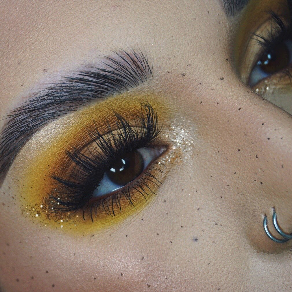 Golden eyeshadow and Faux Freckles Look