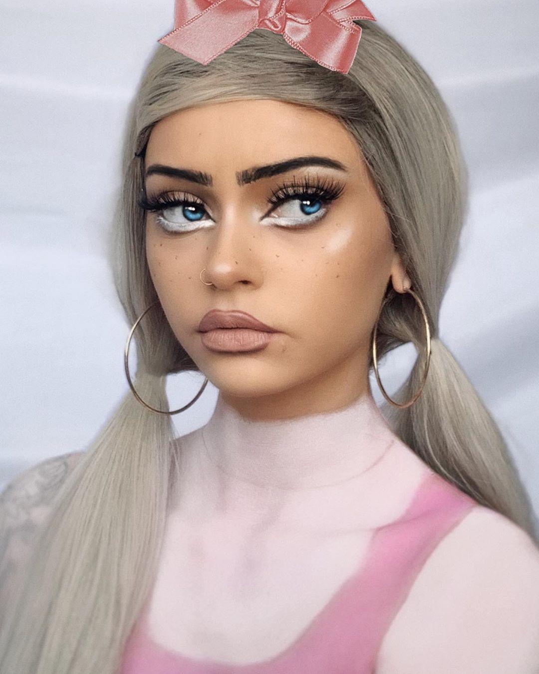 Baby Doll Makeup Faux Freckles Makeup technique