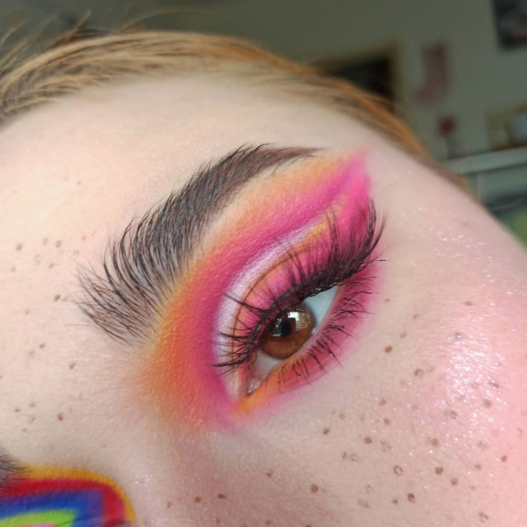 Faux Freckles Look with dramatic eyeshadow
