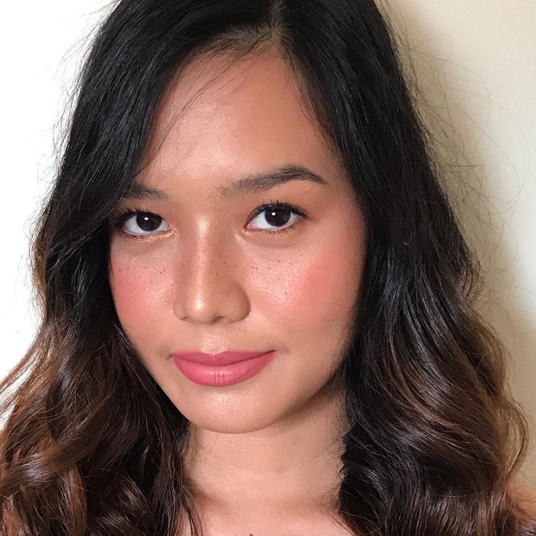 Minimal Faux Freckles Look makeup