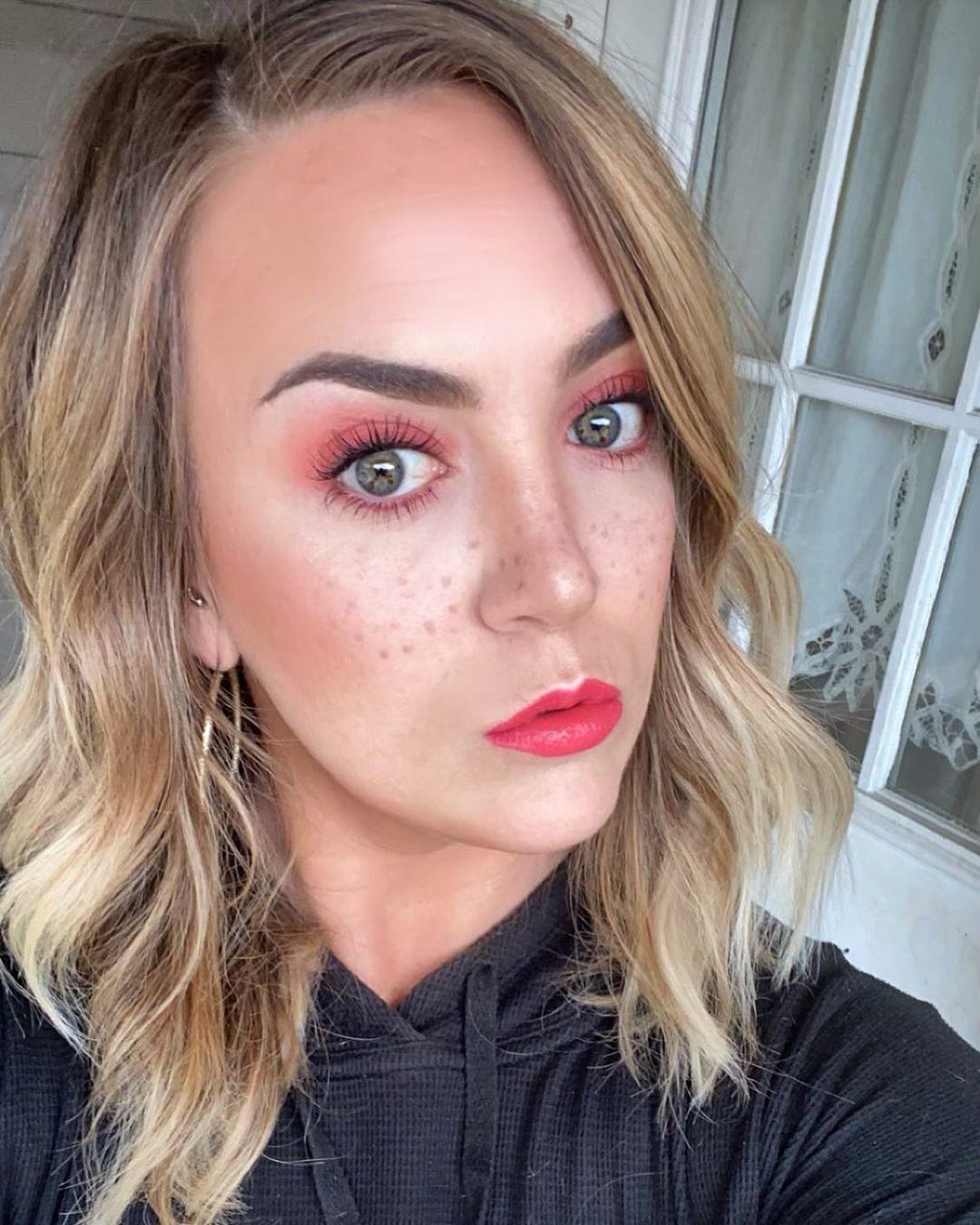 Dotted Faux Freckles Makeup technique