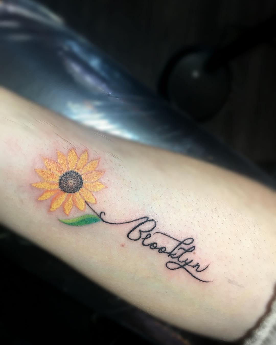 Inspiring sunflower tattoo image