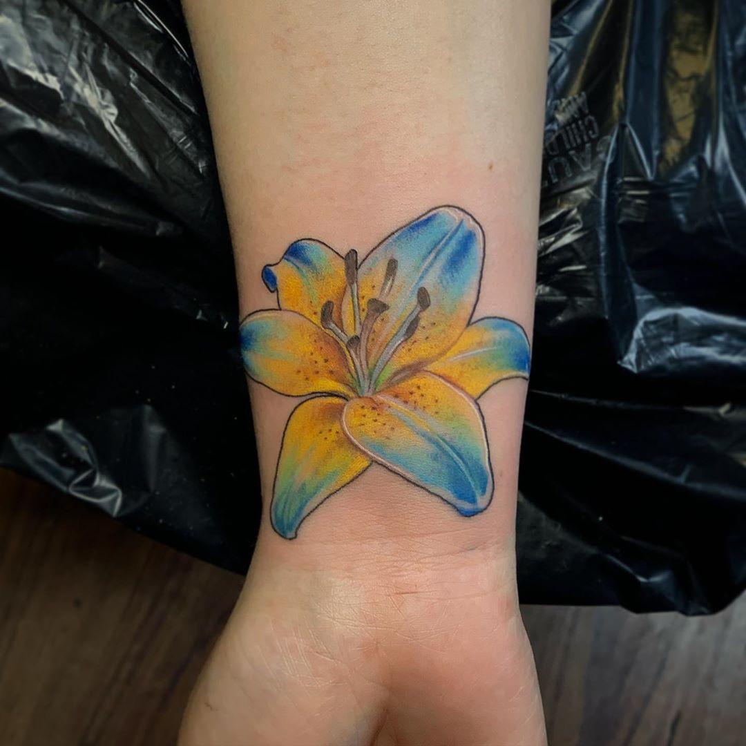 Hawaiian lily tattoo