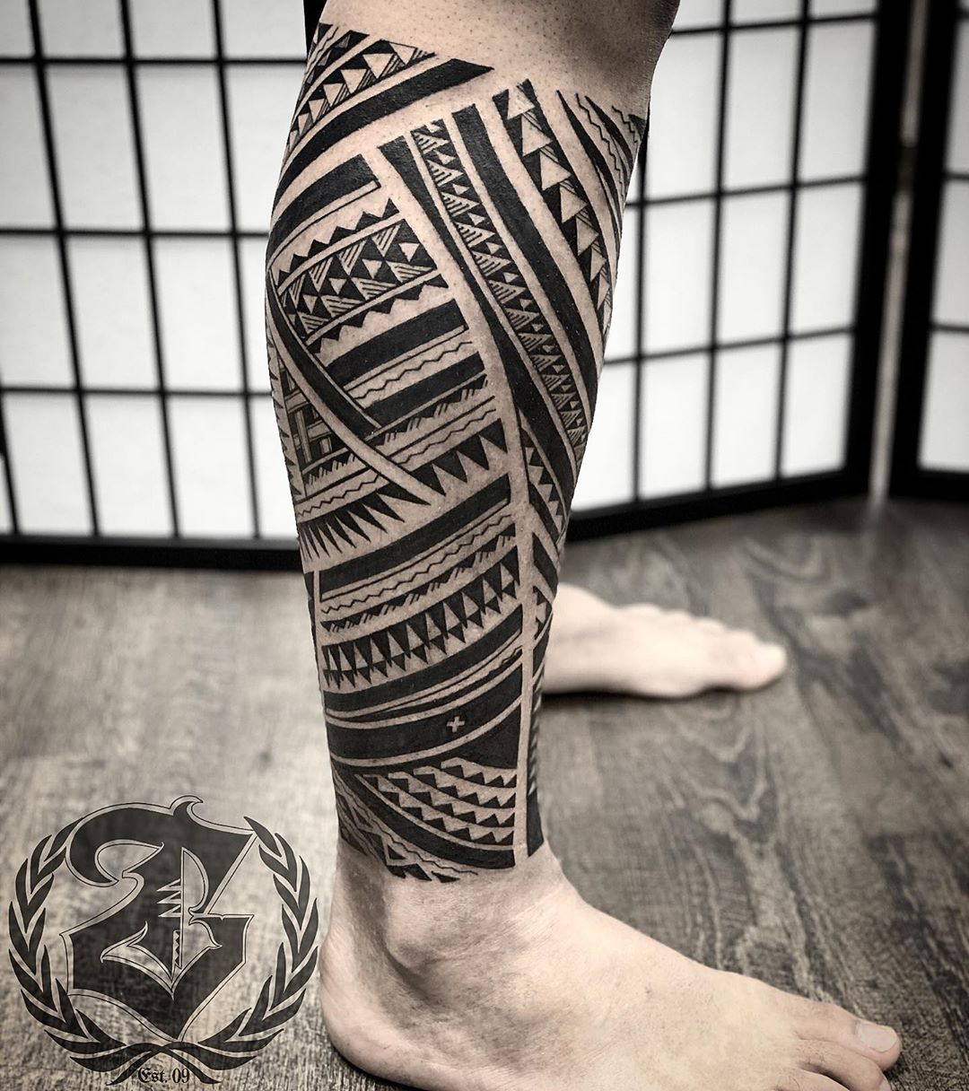 Classic Hawaiian leg tattoo