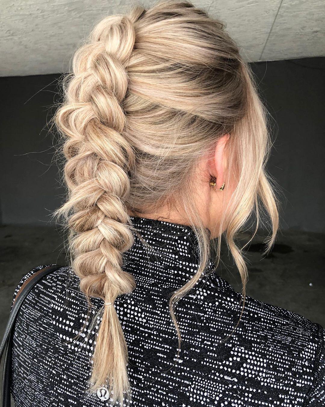 Viking ponytail in boho braid style