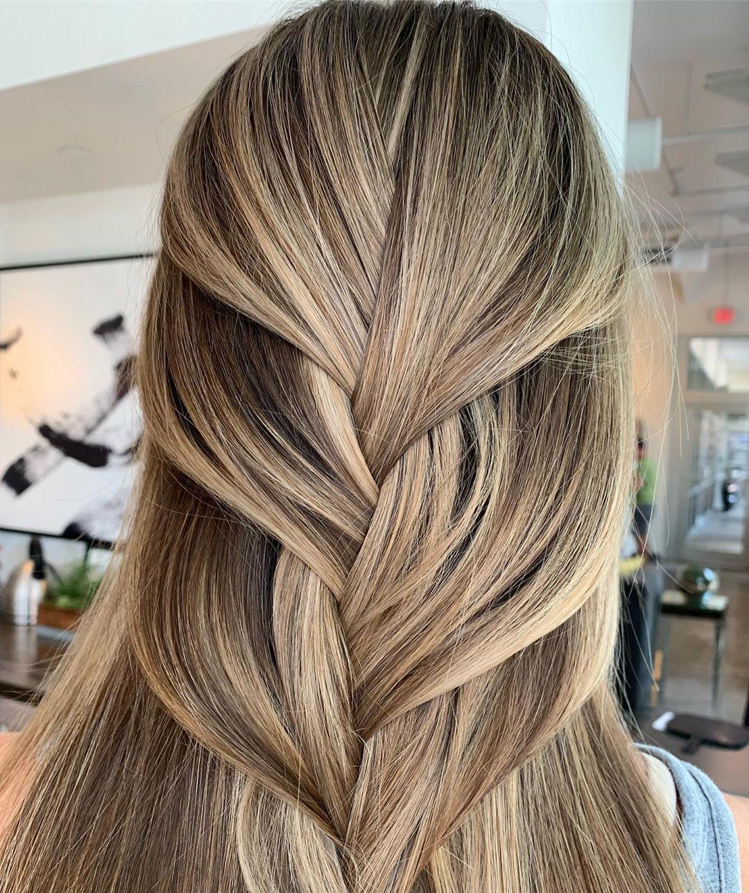 Simple ponytail in Boho Braid style