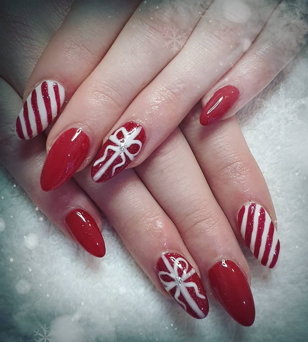 Holly jolly Christmas nails