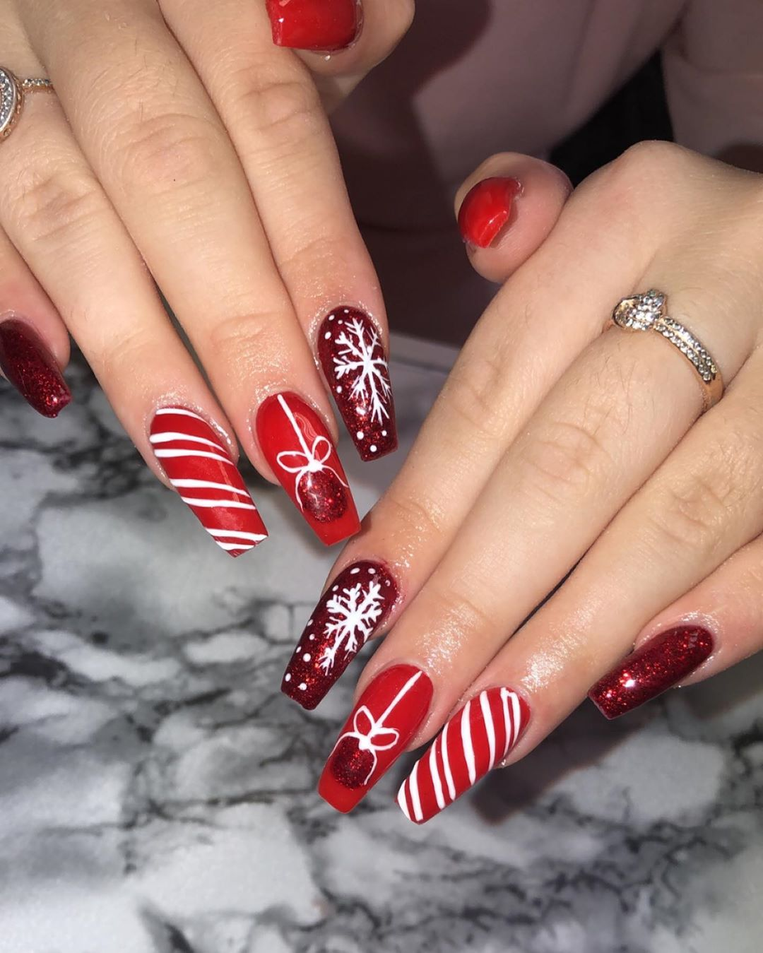 Ornament, snowflakes, glitter and red/whiete
