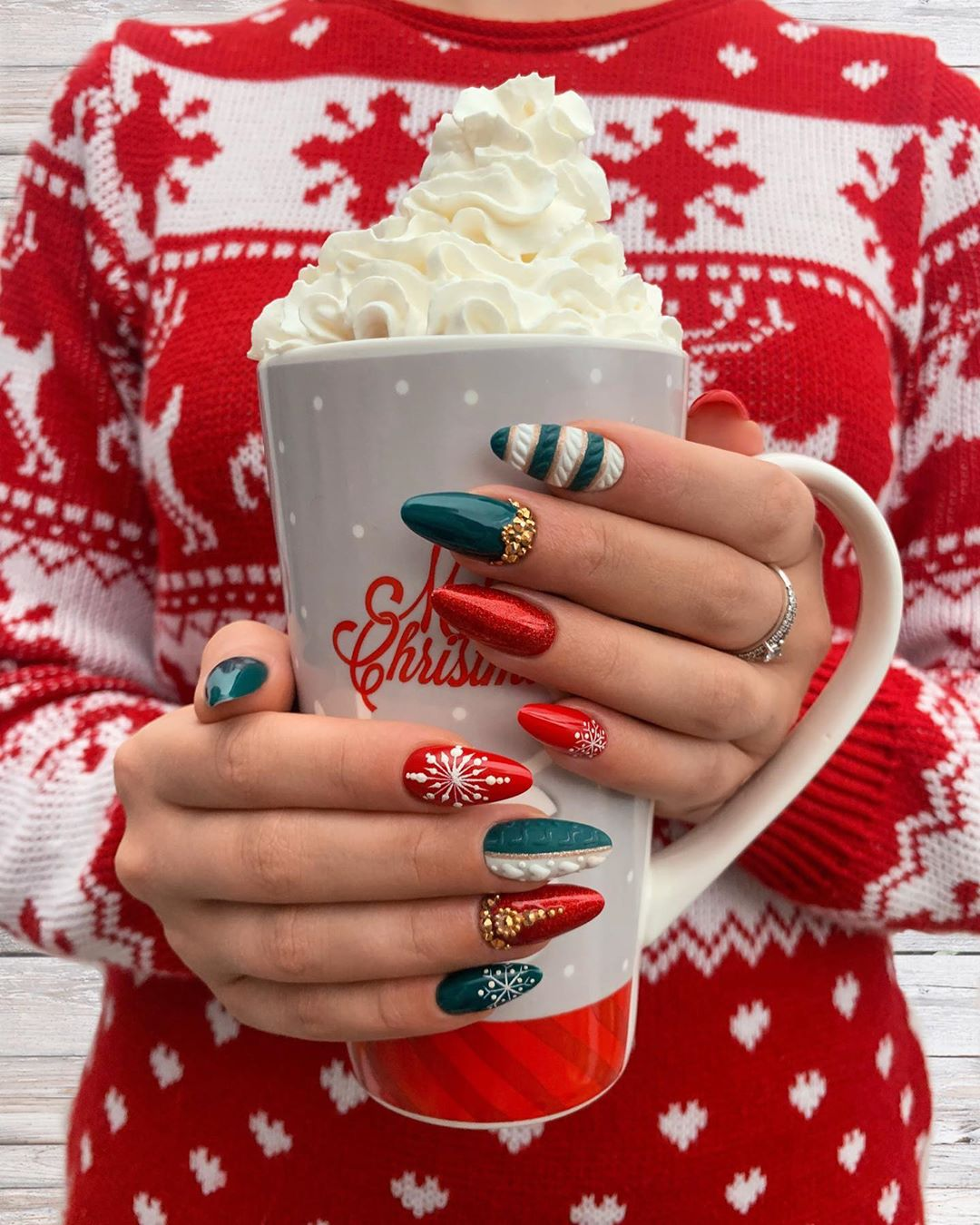 updated 50 festive christmas nails august 2020 updated 50 festive christmas nails