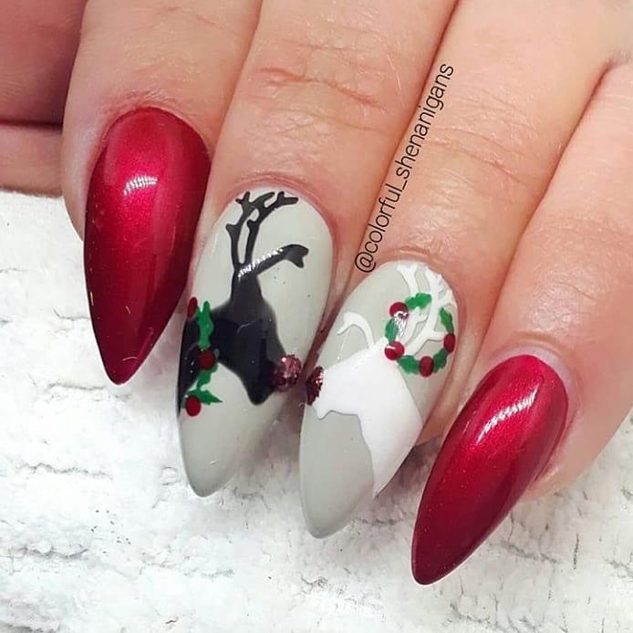 Image of reindeer Christmas nails