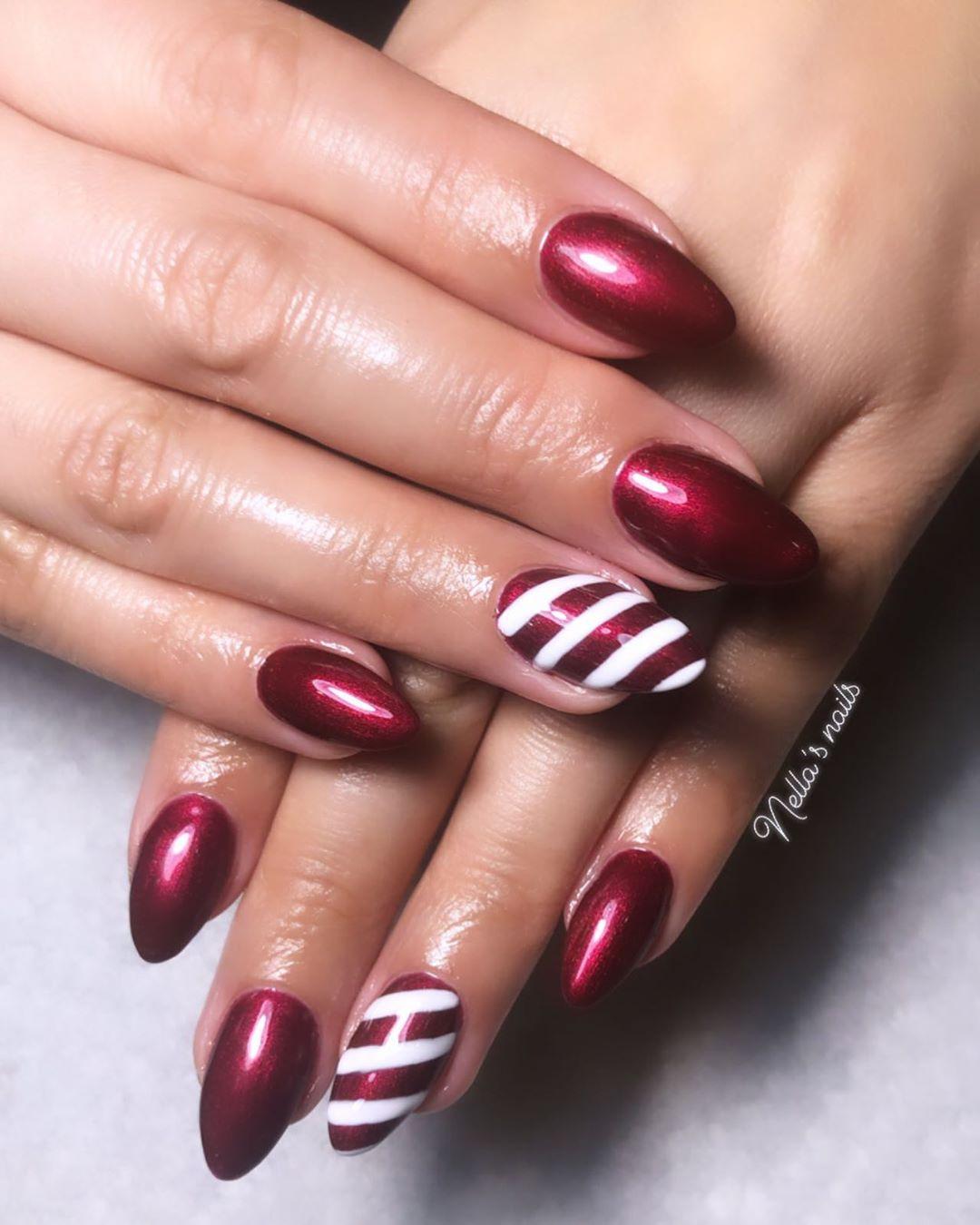 Image of high gloss Christmas nail designs
