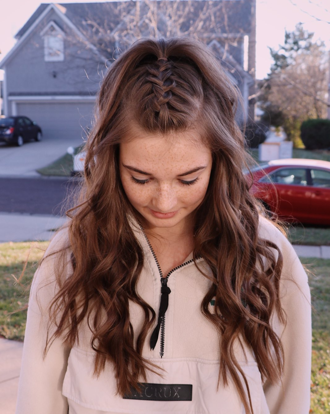 35 Enchanting Homecoming Hair Styles
